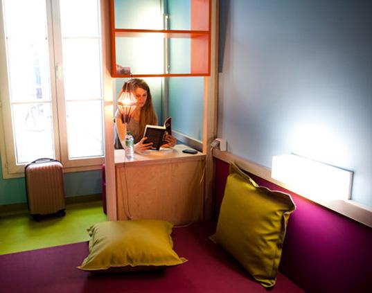 hi hotel desk HI Matic   hotel for a new generation
