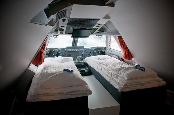 jumbo hostel cockpit robinvonpost Amazing Hotels   6 nights to remember