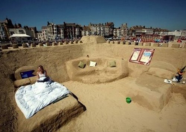 sand castle England worthfun.blogspot.com  Amazing Hotels   6 nights to remember