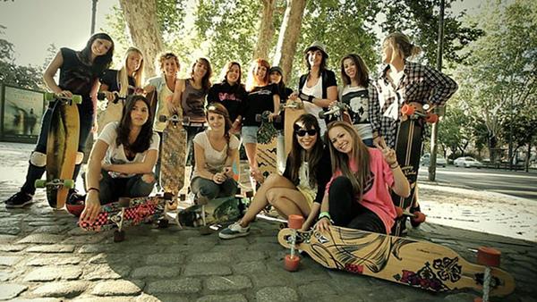 Push Don't Pollute - when female longboarders unite