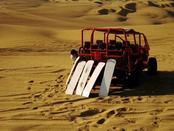 HUACA2 Sandboarding in the Desert