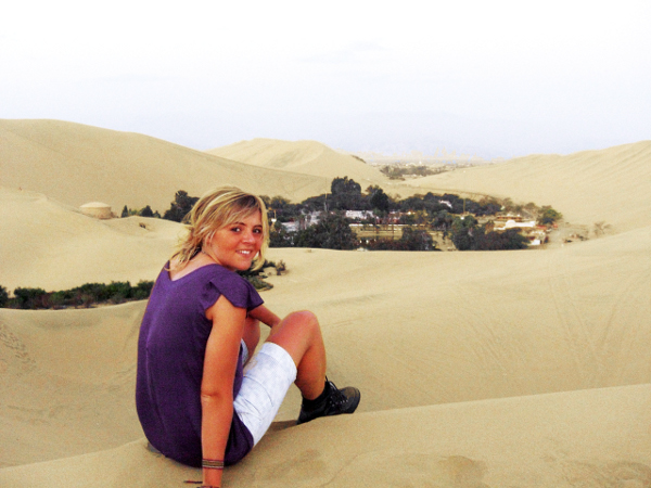 Huaca7 Sandboarding in the Desert