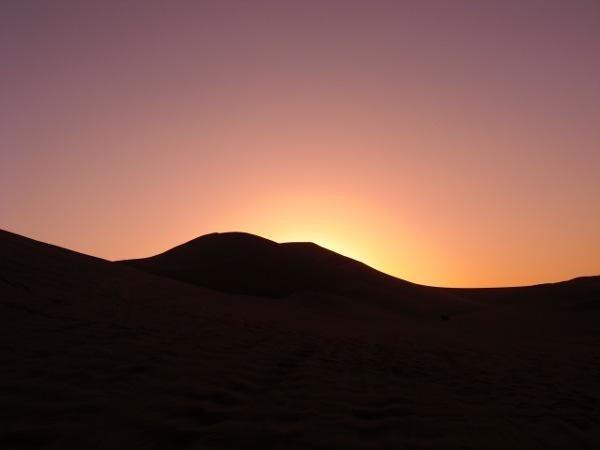 huaca6 Sandboarding in the Desert