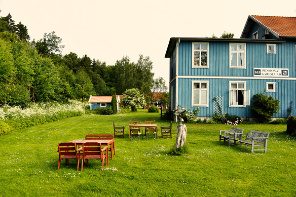 bedBreakfast Karlslund Sweden   moose, kayaks and sleeping in trees