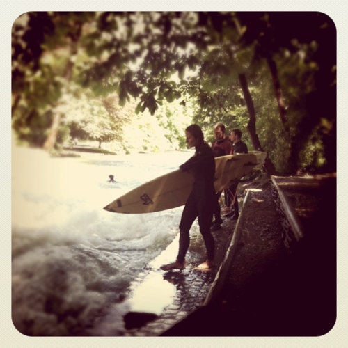 eisbach munich surf River Surfing