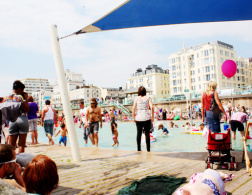 Paddle around the pier - Brighton's biggest party