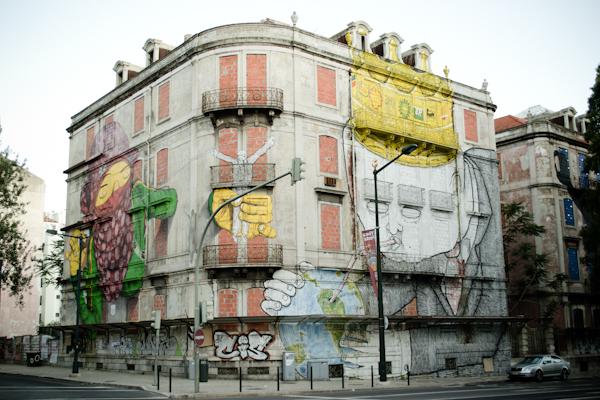 titanic 1434 Cutting edge street art in Lisbon