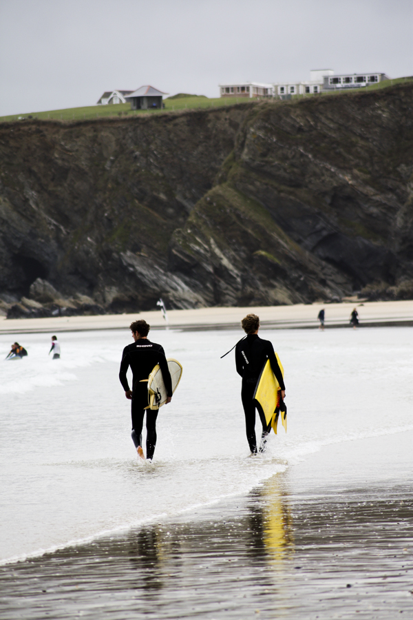 trav Surfers at the beach Surfing in England   Lessons from a Pro