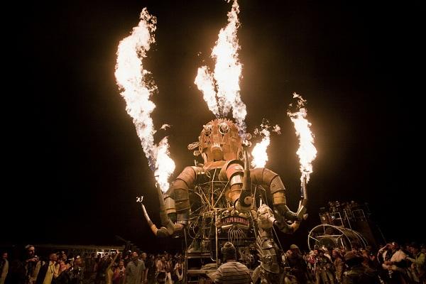 6134404368 9f5228b05b b 5 Reasons to go to... Burning Man