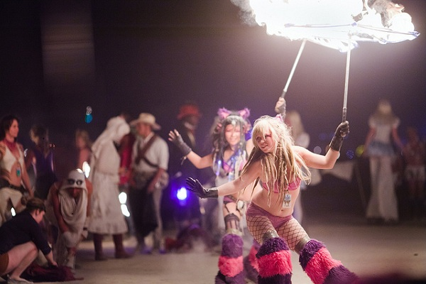 6200283657 83f499fe03 z 5 Reasons to go to... Burning Man