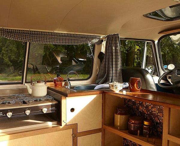 Vollbildaufzeichnung 22.10.2011 162346.bmp An Ode to the Camper Van