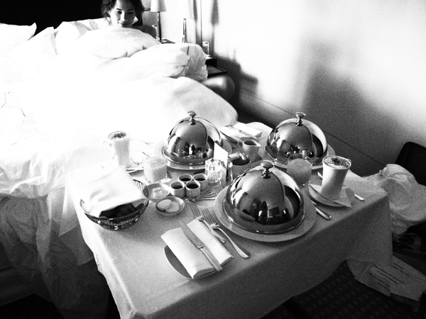 breakfast in bed Ladies for a weekend – a visit to London