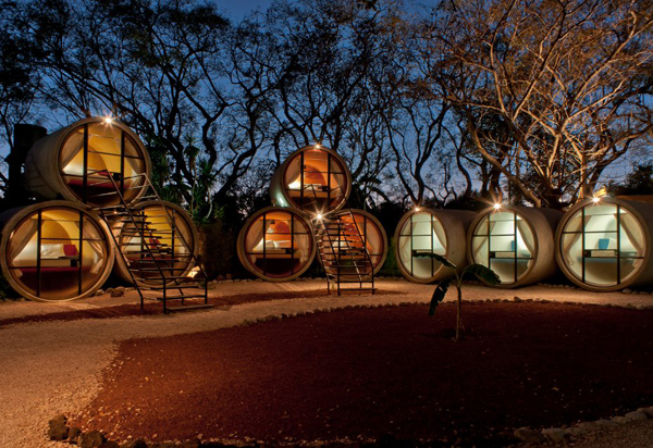 hotel tubo 8 Sleeping in tubes   recycled hotels