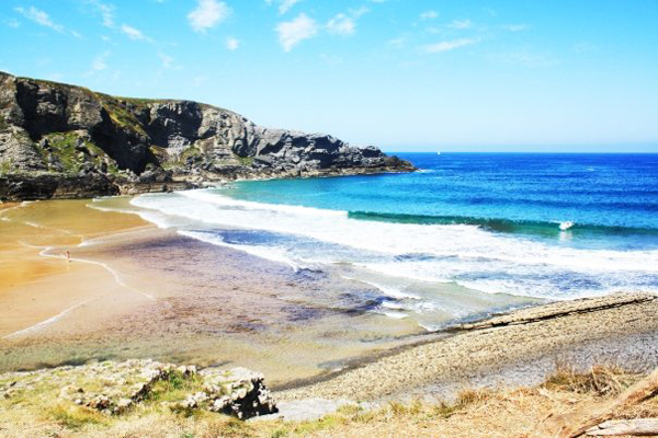trav los loooocosss 10 Great Surf Spots along the Atlantic Coast