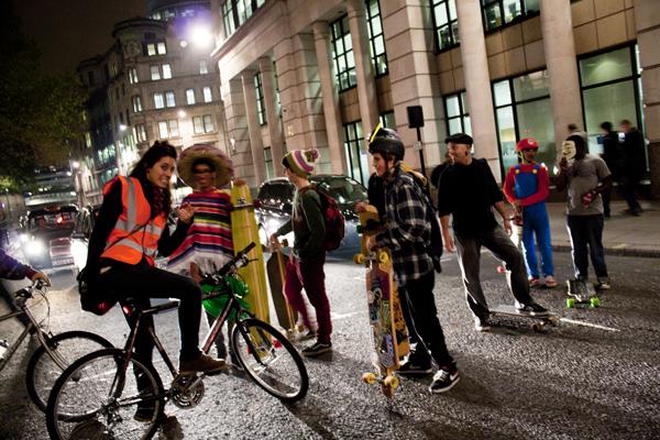 trav stopping cars Critical Mass   Worldwide Social Biking Event