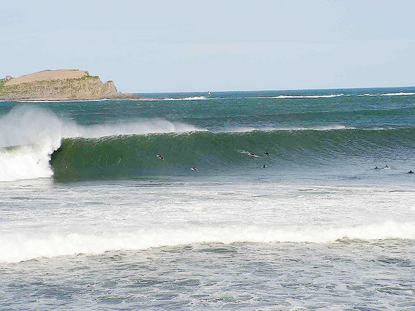 travmundaka surf 10 Great Surf Spots along the Atlantic Coast