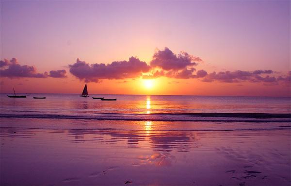 diana beach sunrise Experiencing Kenya