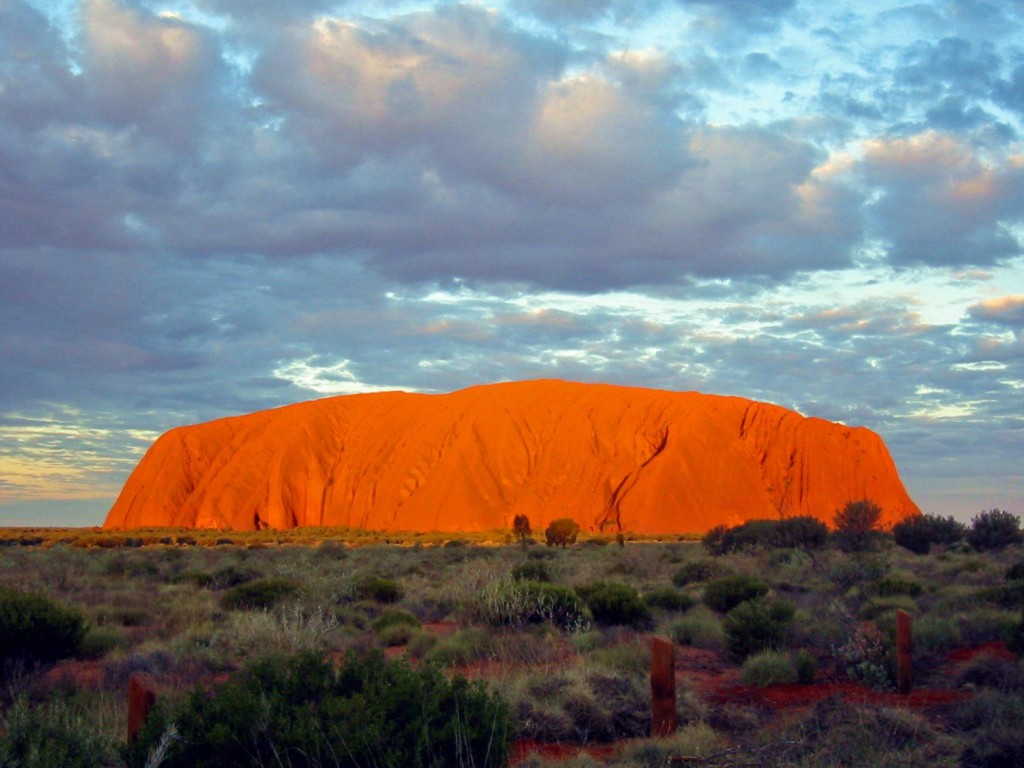 longitude 131 ayers rock au uluru aw uniquetraveldestinations files wordpress comustralia1 1024x768 Glamping in Australia