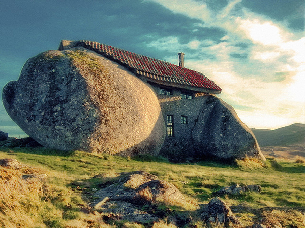stone house portugal 10 Odd Buildings Around the World