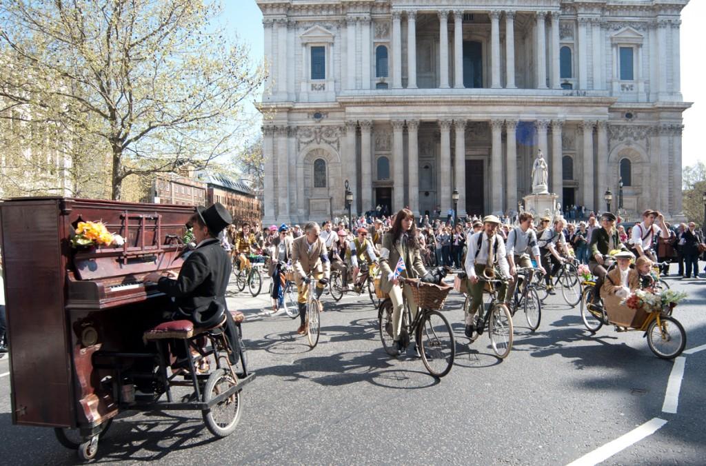 01 BI DSC 4314 1024x676 Tweed Ride: The worlds most stylish bike ride