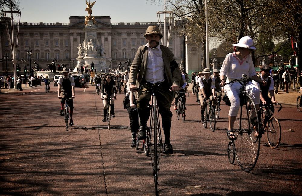 03 OLEG 5619750409 d429e7c212 b Tweed Ride: The worlds most stylish bike ride