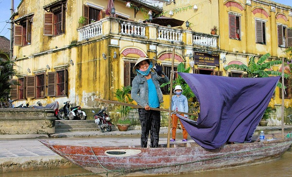 3006443790 e326af71be z Hoi An: A tale of backpacker decadence