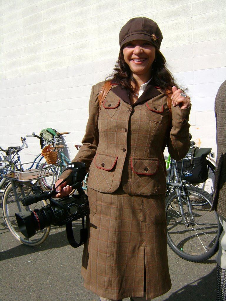 4477369152 393b7bdfe6 b Tweed Ride: The worlds most stylish bike ride