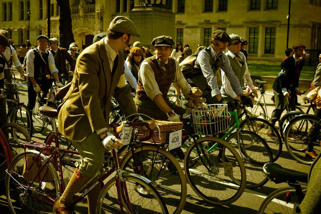 ian ewan Tweed Ride: The worlds most stylish bike ride