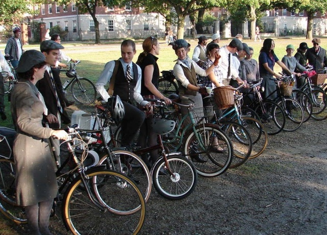 Tweed Ride: The world's most stylish bike ride