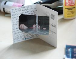 DIY Sunday: The 5-minute postcard photo frame