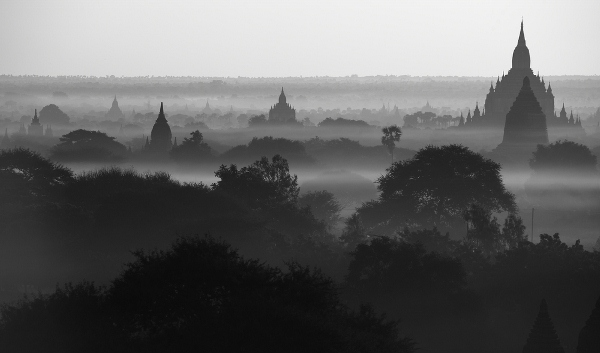 Morgenstimmung in Bagan Myanmar 600x353 Top Ten Places Where I Want Ryan Gosling to propose to me