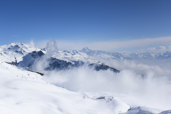 trav anzere mountains above Above the clouds   Mountain Panoramas of Switzerland
