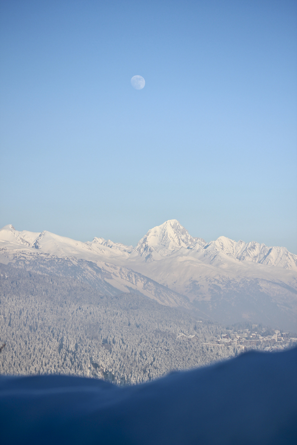trav moon over anzere Above the clouds   Mountain Panoramas of Switzerland