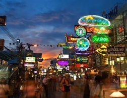 The Travelettes Guide to Surviving Khao San Road