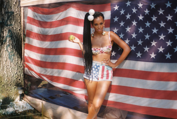 solange knowles usa flag Travelette of the month: Solange Knowles