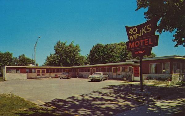 4345228090 c4a9413b19 b Retro motel glamour