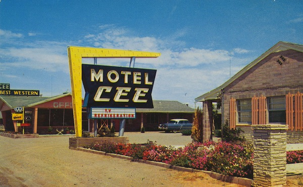 6257402536 24ea19513c b Retro motel glamour