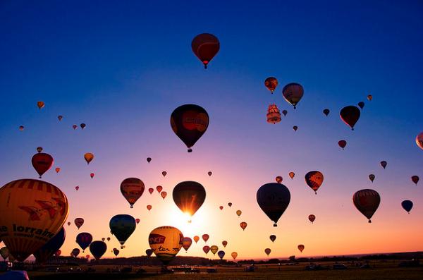Bildschirmfoto 2012 04 07 um 13.30.42 600x397 Europes largest Hot Air Balloon Festival