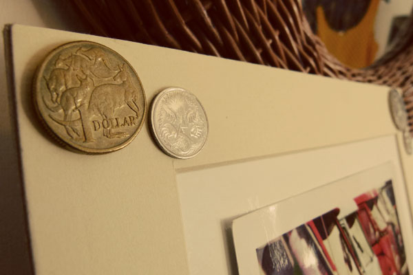 Close Up of Kangaroos DIY Sunday: Foreign coin photo frame