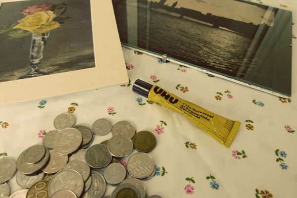 Frames Materials DIY Sunday: Foreign coin photo frame