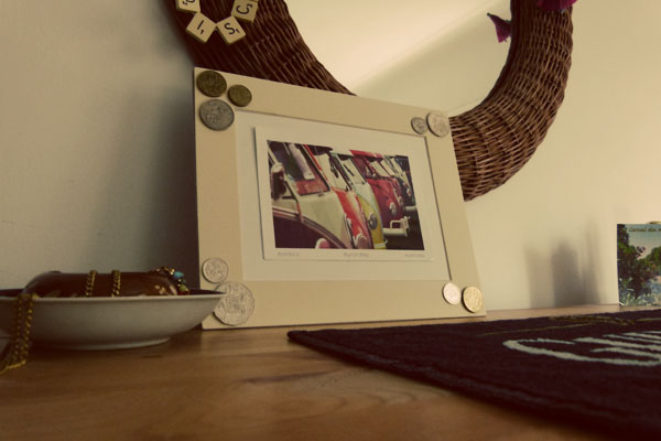 On display Aus frame DIY Sunday: Foreign coin photo frame