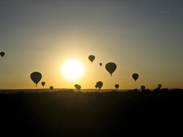 trav ballon04 Europes largest Hot Air Balloon Festival