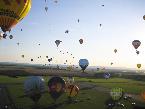 trav balloon05 Europes largest Hot Air Balloon Festival