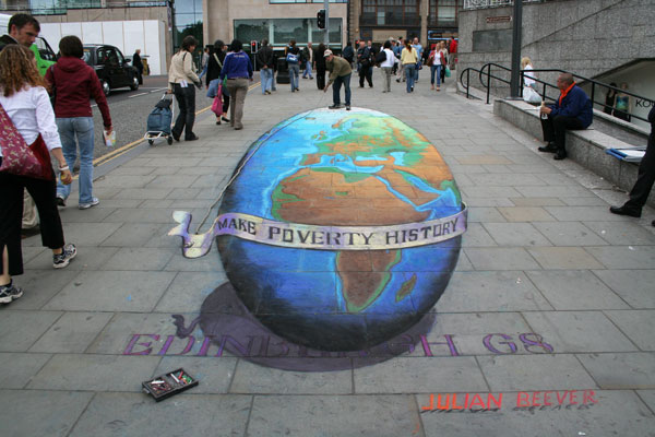 Make Poverty History Sidewalk art Side chalk art around the world