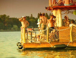 Floating down the river with Berlin's finest bloggers