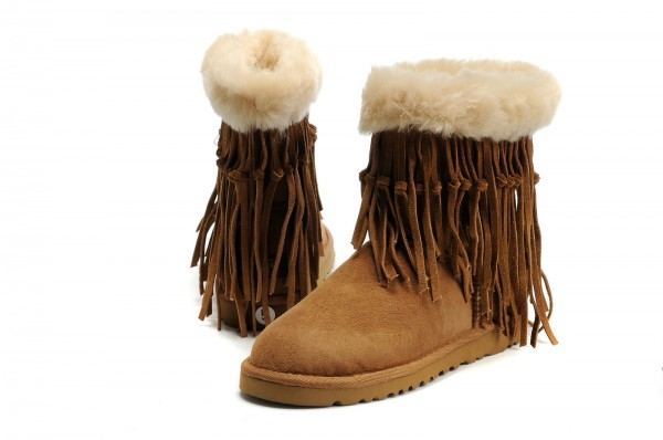 UGG Tassel Short Boots 5835 Chestnut 2 600x398 Around the world in shoes