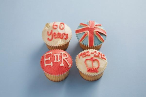 diamond jubilee cupcake 001 600x400 10 Reasons Why Britannia Rules