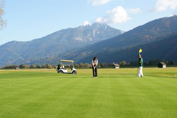 trav golfing 7 things to do in Nassfeld, Austria