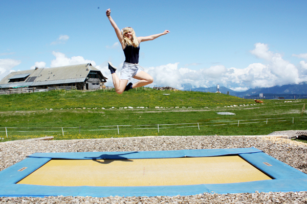 outdoor-trampoline