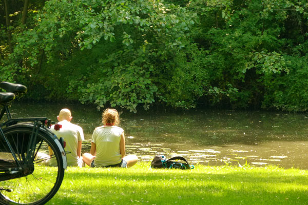 Couple in Beatrixpark1 Experiencing Amsterdam like a Local